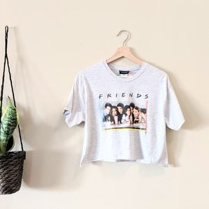 FRIENDS Graphic Tee Crop Top Size Small